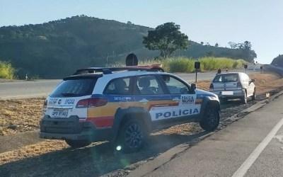 Carro furtado é recuperado na BR-262