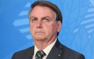 Ministros do TSE e do STF avaliam como 'patética' live de Bolsonaro