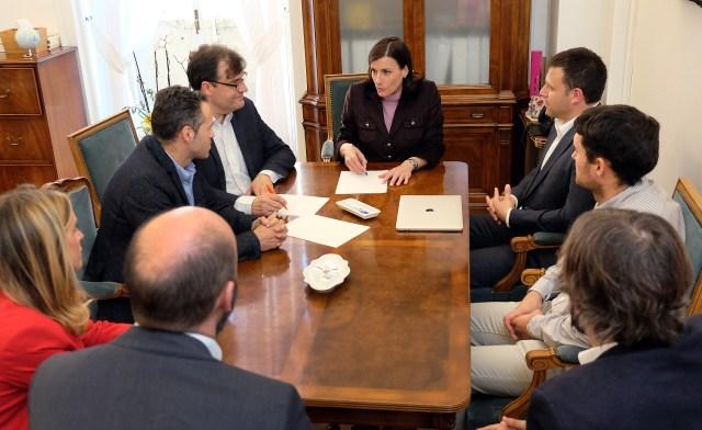 Ayuntamiento y Ascentic colaborarán en la formación de personal en áreas tecnológicas