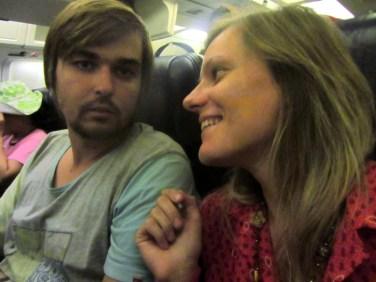 """""""Čau, esam lidmašīnā uz Hawaii!!!!"""":)"""
