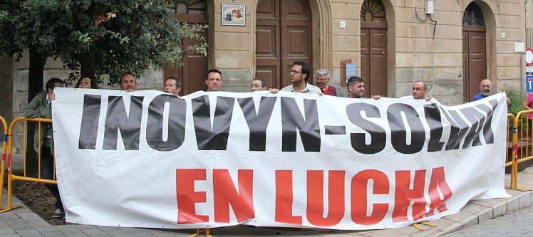 Els treballadors d'Inovyn-Solvay alerten dels 500 llocs de treball de l'empresa que estan en risc // David Guerrero