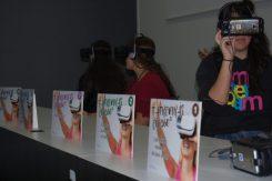 L'espai de realitat virtual engrescava sobetot als joves // Marc Pidelaserra