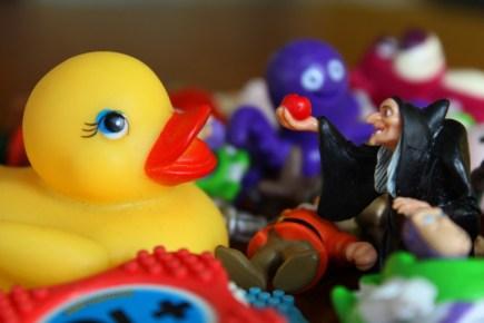 jouets substances toxiques - jouets en plastique
