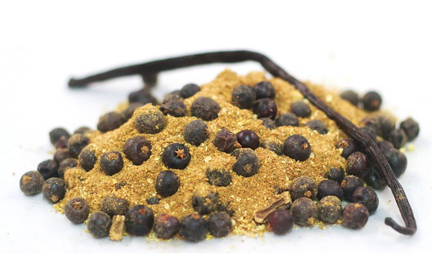 Natural flavourings - including juniper and vanilla - used in Mayhawk Chocolate's Gin Spice Blend. Ingredients in chocolate
