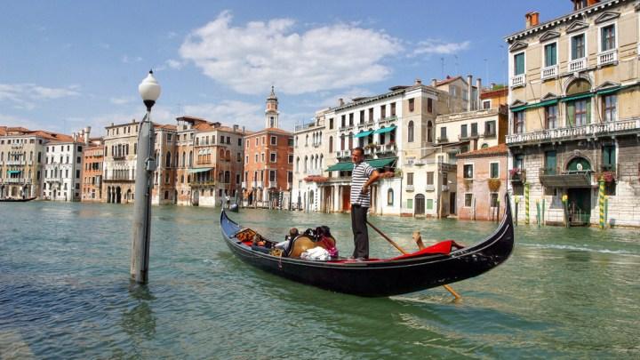 Santiago-Venecia: la ruta estrella en las agencias de viajes de toda Galicia