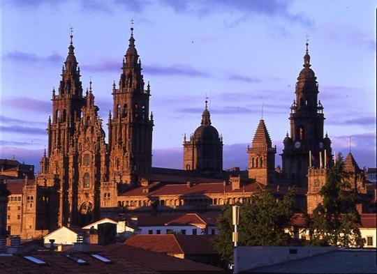 Casi 6 de cada 10 pasajeros de Galicia utilizan el aeropuerto de Santiago para sus desplazamientos