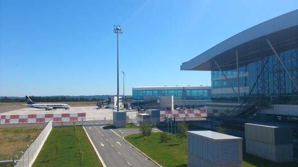 Día complicado en la operativa de Ryanair en el aeropuerto de Santiago de Compostela