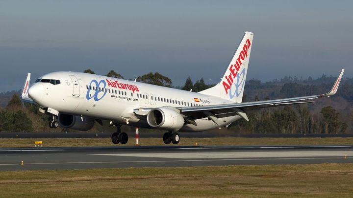 Air Europa reinicia su operativa en el aeropuerto de Santiago de Compostela