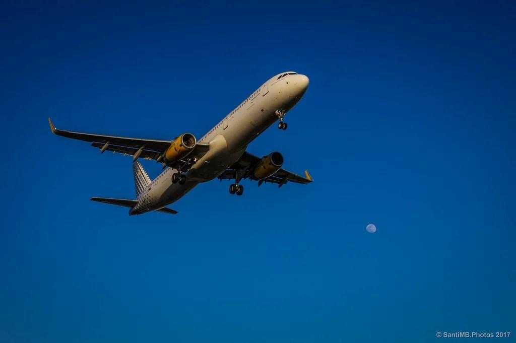 El avión y la luna