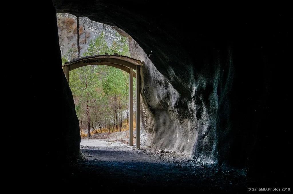 A través de la montaña