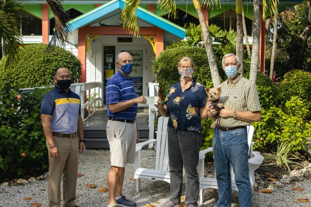 Sanibel Mayor, Chamber Award First Facemask Challenge Winners