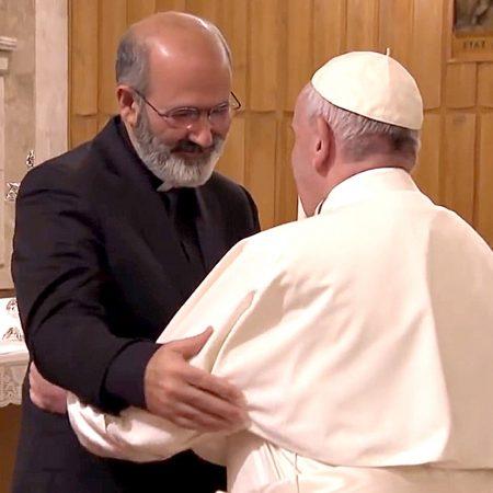 Tolentino de Mendonça com o Papa, no Vaticano, na Quaresma de 2018.