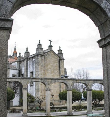 Catedral de Miranda. Em 1770, fundaram-se duas dioceses, cada qual com sua sede, uma em Miranda e outra em Bragança. Mas a separação durou apenas 10 anos. Em 1780, porém, reunidas de novo, a catedral continuou a ser a de Miranda.
