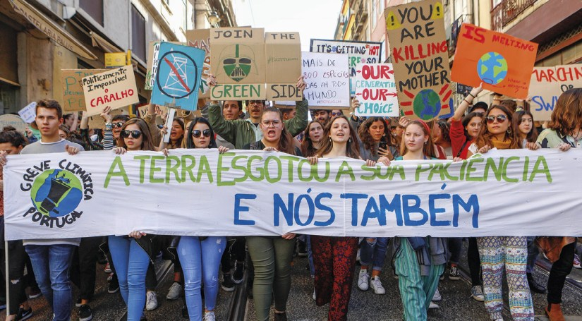 Estudantes portugueses associados ao movimento #Schoolstrike4climate# (greve estudantil pelo clima), 15 de março de 2019. António Pedro Santos/LUSA.