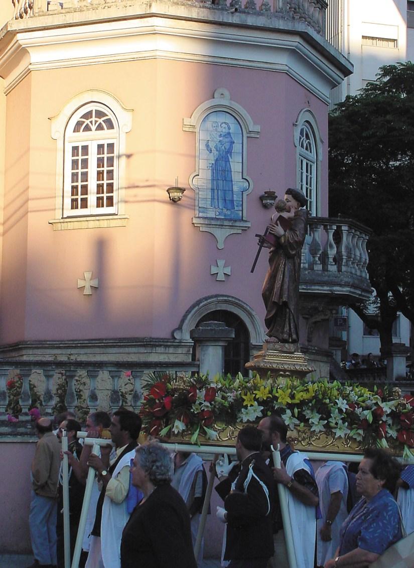 Igreja de Santo António dos Olivais, procissão Celas, Junho 2002