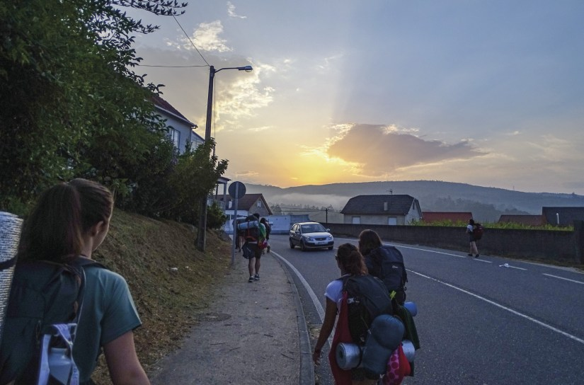 Jovens franciscanos (p. 30) a caminho de Santiago, julho de 2019. Foto MSA.