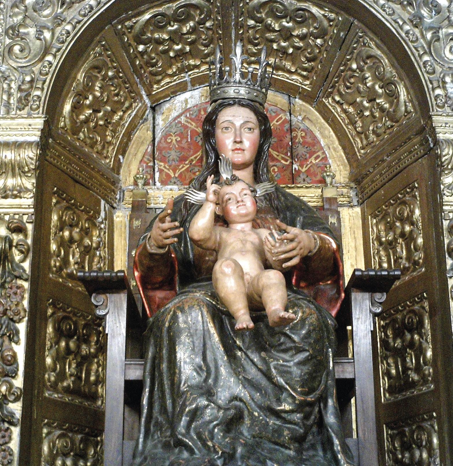 Virgem da Victoria à qual os sobreviventes da viagem foram rezar à chegada. Antes de partir, pelo menos Magalhães, também a visitou. Encontra-se na Igreja de Santa Ana, em Sevilha. A igreja onde se encontrava, no sec. XVI, já não existe. Foto de CarlosVdeHabsburgo |Wikimedia Commons.