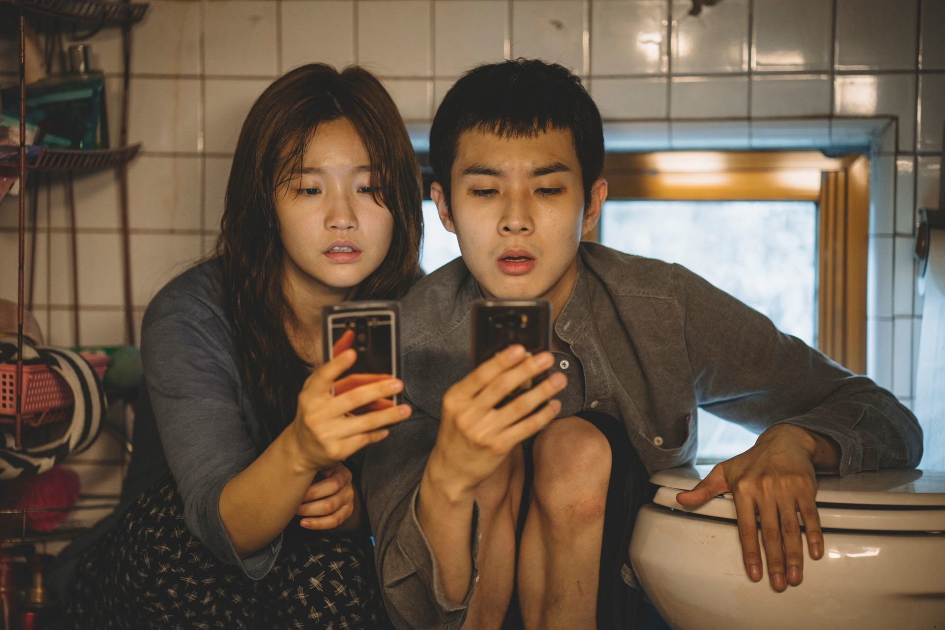 Gisaengchung - Parasitas, do realizador coreano Bong Joon-ho. Drama, M/14, Coreia do Sul, 2019. Palma de Ouro no Festival de Cannes.