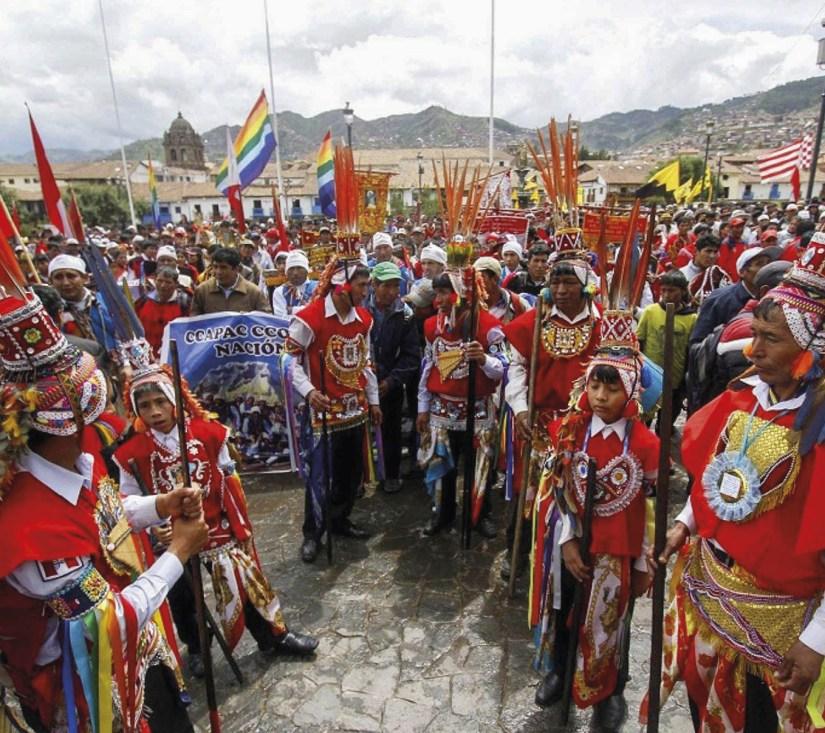 Protestos no Perú contra a exploração mineira que ameaça o santuário de Qoyllurity, Património Mundial da UNESCO. Foto: 2016, EPA/ ANDINA/ Percy Hurtado.