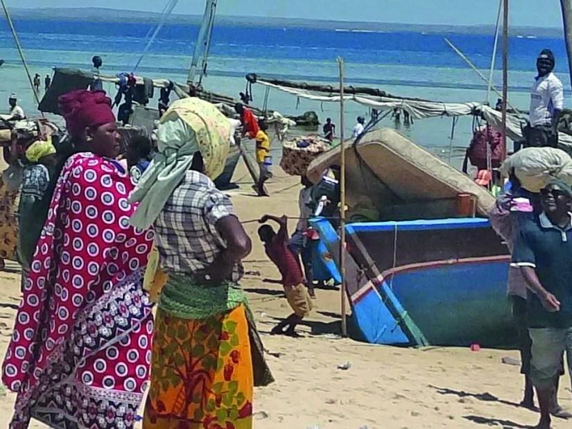 Refugiados na praia de Paquitequete, Pemba