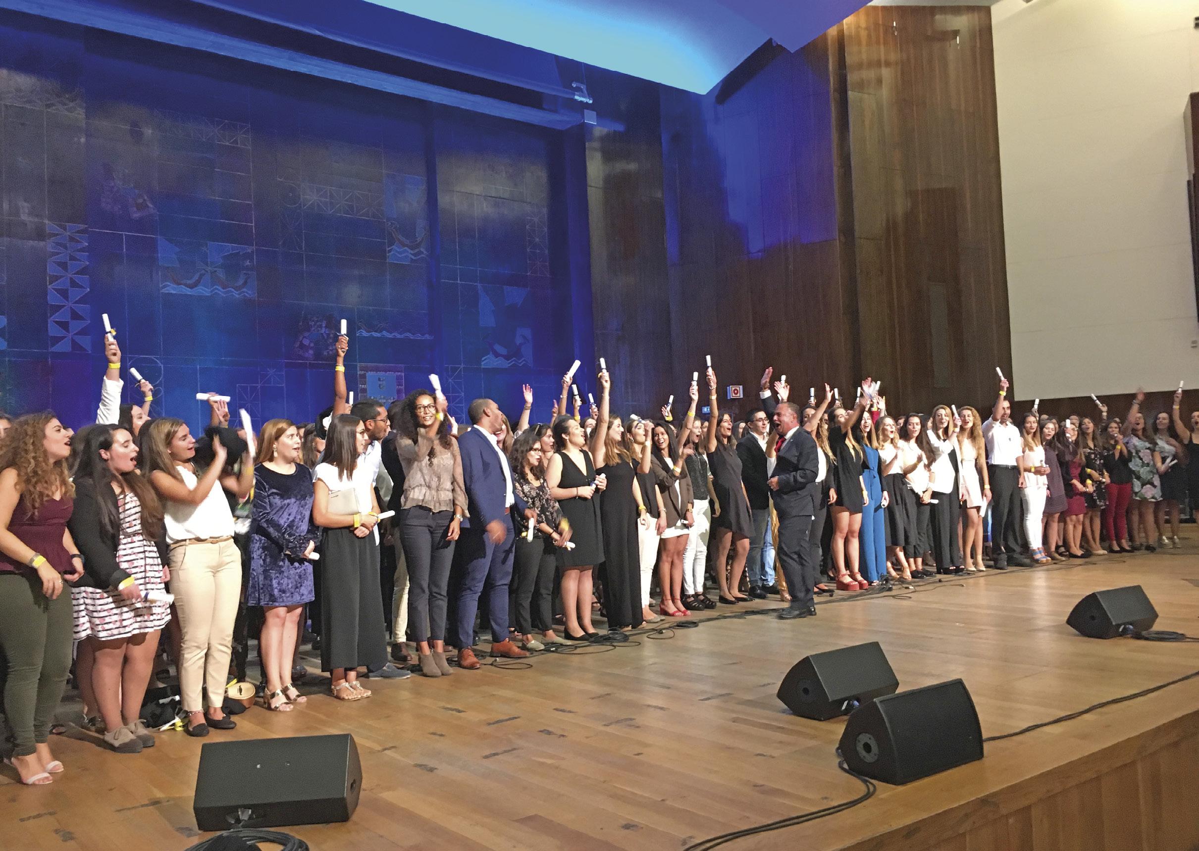 Em 2017, na Aula Magna da Reitoria da Universidade de Lisboa, os recém-licenciados em Enfermagem de todas as escolas da região faziam, sorridentes, o seu juramento profissional. Foto Inês Bolinhas, 2017.