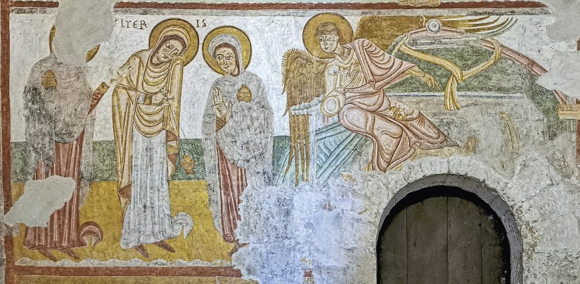 Fresco da Ressurreição: as mulheres e o anjo que lhes aponta o sepulcro vazio, Basílica de São Sernin, Toulouse, França, 1180. Foto de Didier Descouens, 2020, Wikimedia Commons.