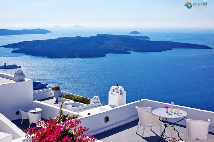 santorini-top-holiday-destinations-world