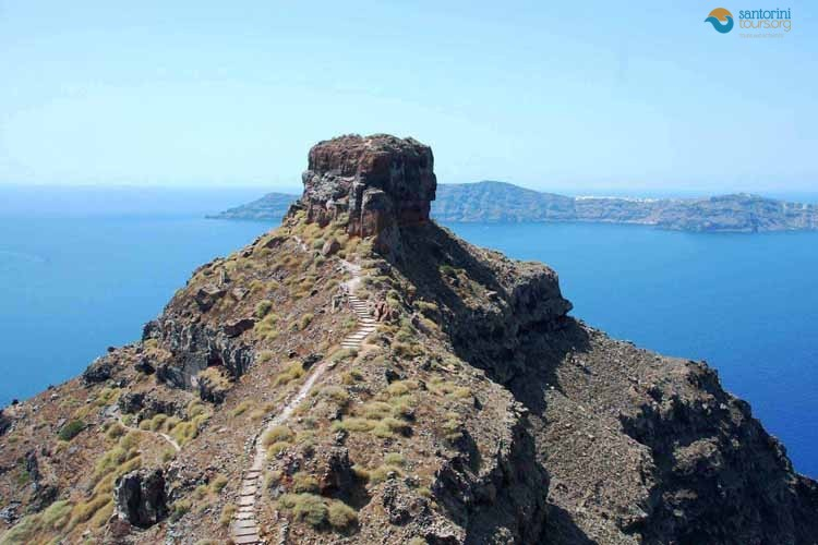 VOURVOULOS-SANTORINI-PRIVATE-GUIDED-TRANSFERS