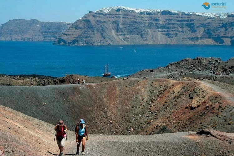 walk-to-the-volcano-of-santorini-1