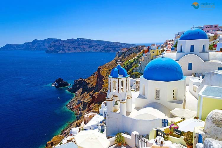 VOW RENEWALS IN SANTORINI