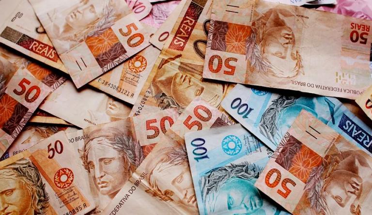 Governo-encaminha-proposta-para-aumentar-salario-minimo-768x444