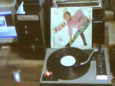 Xuxa gravou um disco com frases satânicas ao contrário