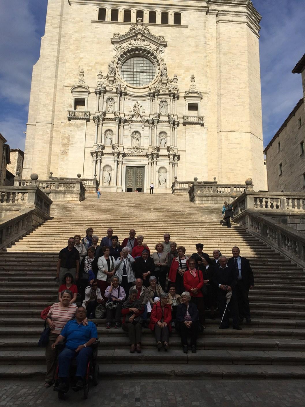 Grupo fachada catedral de Girona