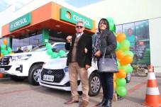Waldir da Silva e sua esposa, ganhadores do carro HB20 0KM