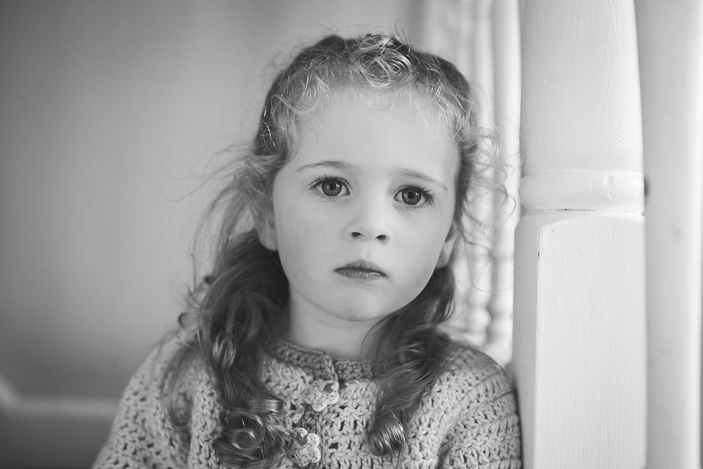 portrait, children's photography, black and white, child portrait