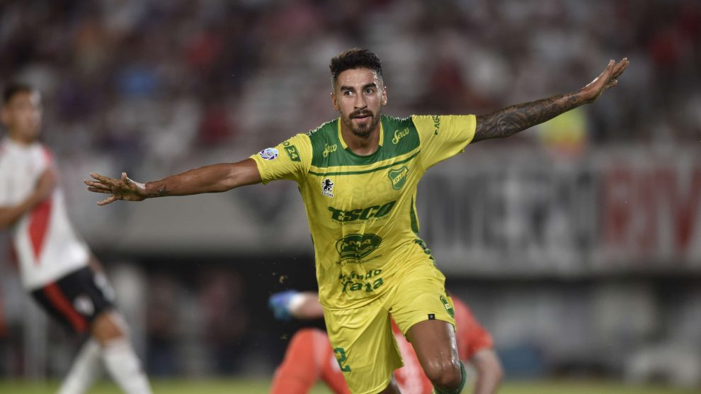 Atacante do Defensa y Justicia manda recado ao Palmeiras e destaca Rony