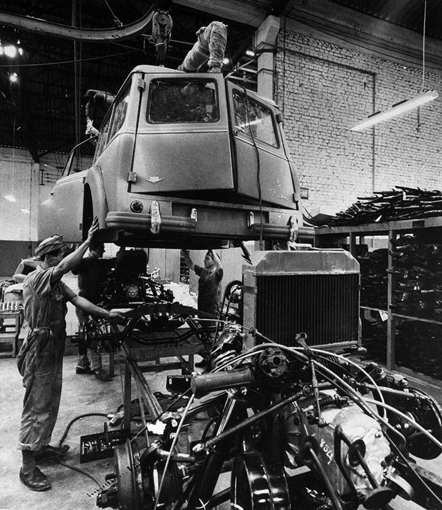 Linha de montagem da perua DKW/Vemag Universal