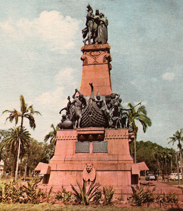 O monumento em meados dos anos 60