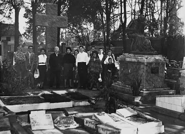 Cemitério de Animais em 1955 (clique para ampliar)
