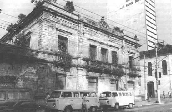 O Teatro Guarany no auge da decadência, em meados dos anos 1990