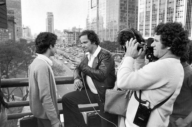 Goulart de Andrade no Viaduto do Chá em 1975 (Foto: Sérgio Sade/Dedoc)