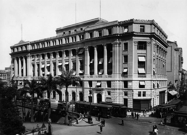 Fachada do prédio Alexander Mackenzie no ano de sua inauguração (clique para ampliar)