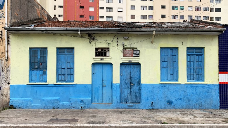 Casas – Rua Teixeira Leite 261 a 263