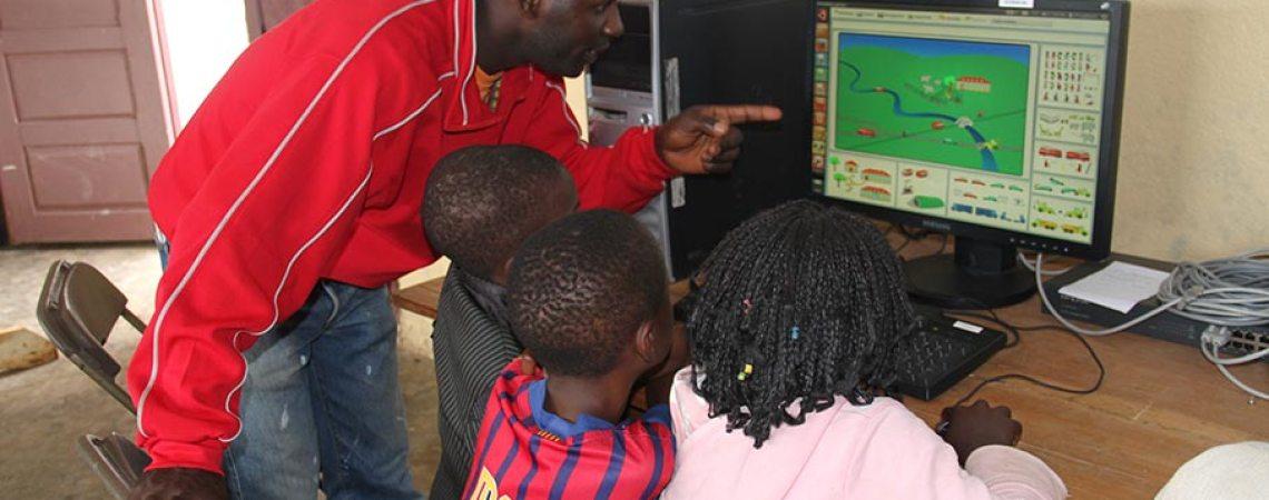 Initiation à l'informatique au centre de savoir