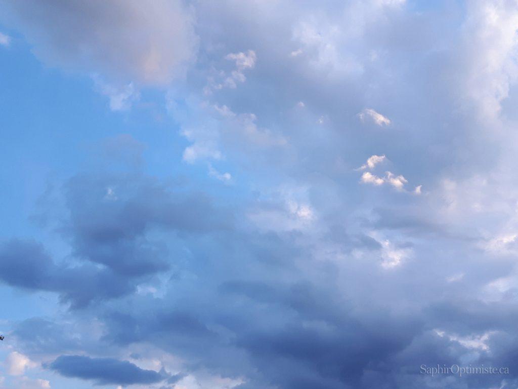 lumière, obscurité, nuages, ciel, Franck Billaud, Saphir Optimiste, optimisme, espoir, Montréal, Québec, inspire, inspiration, photoptimiste