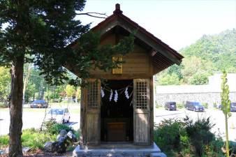黄金龍神社 社殿