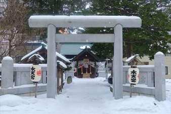 札幌水天宮 鳥居 冬