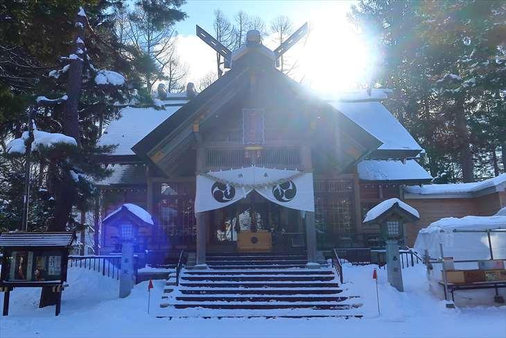 大谷地神社 冬の拝殿