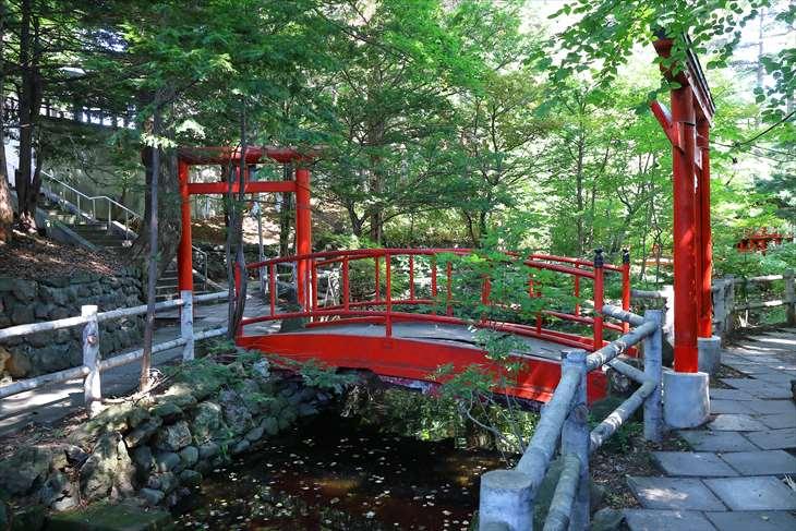 白石神社 谷地の風景