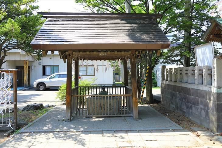 豊平神社の手水舎